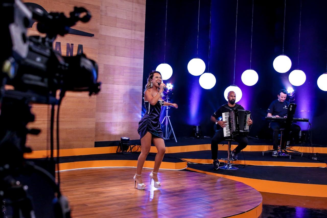Depois de Simone e Simaria, Juliana Moretto mais uma cria do cantor Frank Aguiar,  desponta na música  sertaneja 42