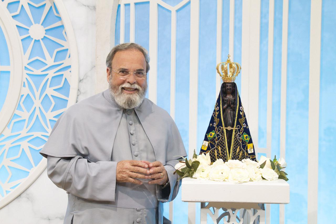 """Dupla Hugo e Tiago participa do """"Sábado com Maria"""" especial Dia dos Pais 42"""