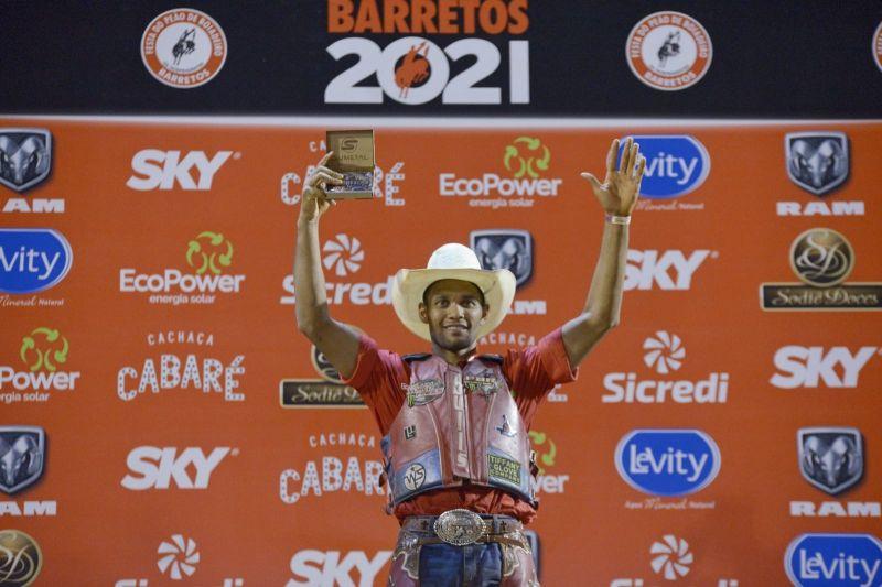 Alan de Souza, de Taubaté-SP, é o campeão do Rodeio de Barretos 2021 42