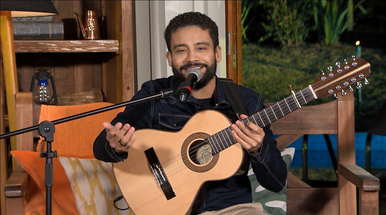 """Rodrigo Zanc mostra voz e viola em apresentação no """"Luar do Sertão"""" 43"""