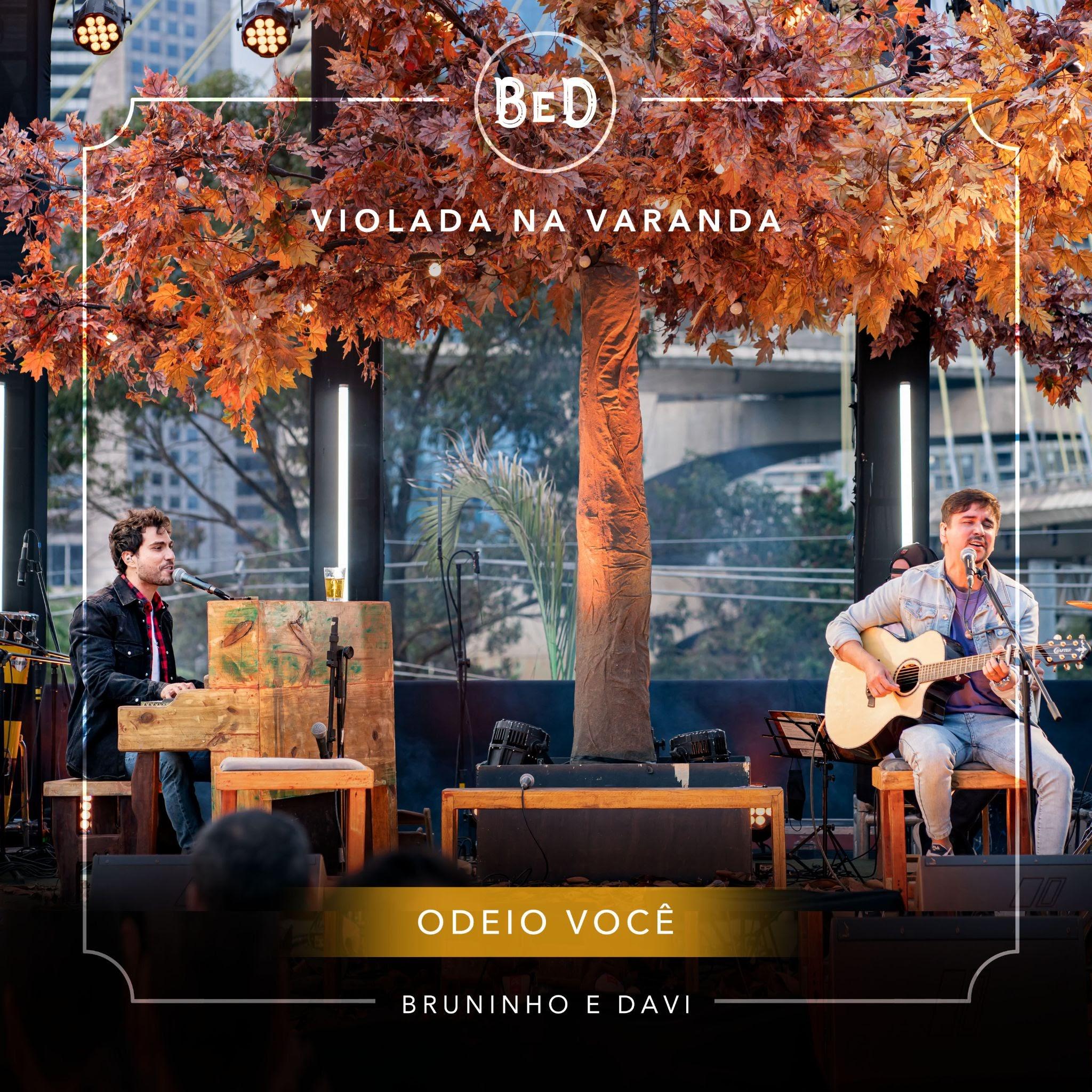 """""""Odeio Você"""": Bruninho e davi tentam esconder paixão em novo single do """"Violada na Varanda"""" 42"""