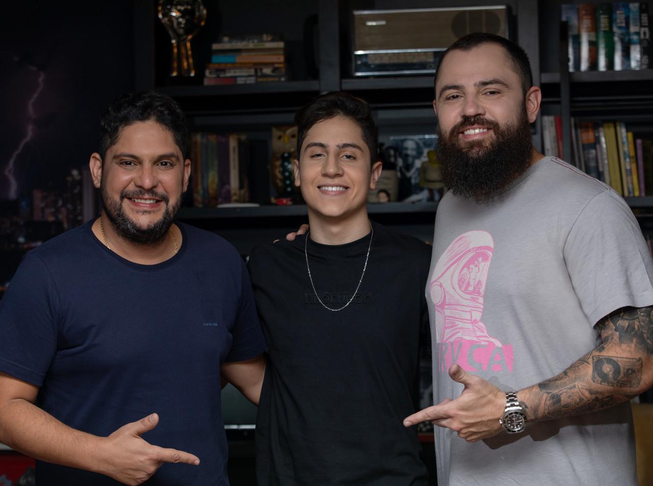 Hugo Henrique e Jorge & Mateus anunciam parceria 41