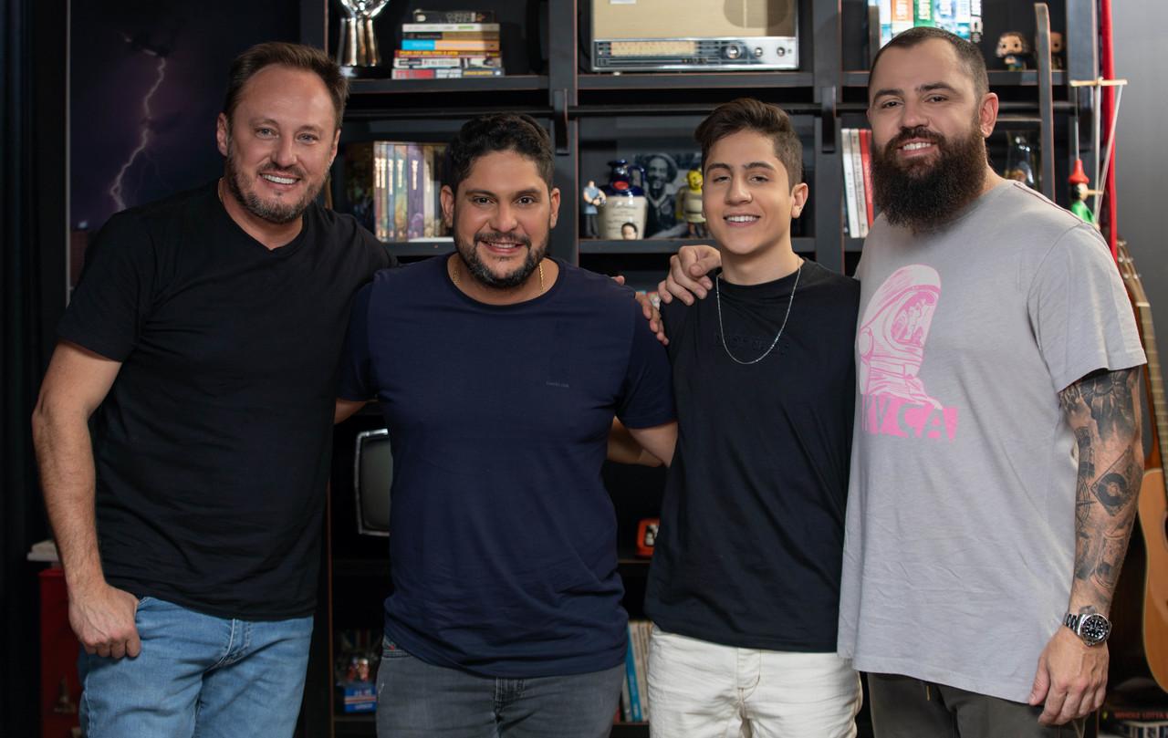 Hugo Henrique e Jorge & Mateus anunciam parceria 42